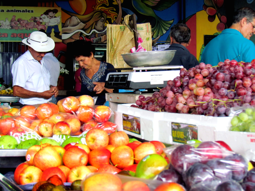 Farmers markets are an ideal place for fresh fruits lovers, because there they can find a great variety of them.